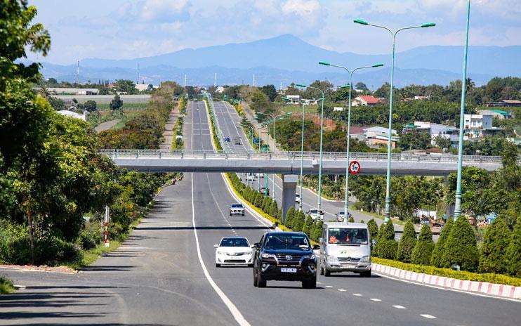 Phía Nam 19 tuyến cao tốc được triển khai, Mở rộng cao tốc Long Thành được ưu tiên hàng đầu